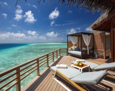 Baros Maldives_Water Villa_Deck_Baros_Maldiverne_Det_Indiske_Ocean